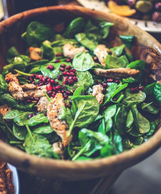 bowl-of-salad-with-spinach-chicken-and-pomegranate